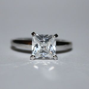 Jewelry - Princess cut engagement ring .925